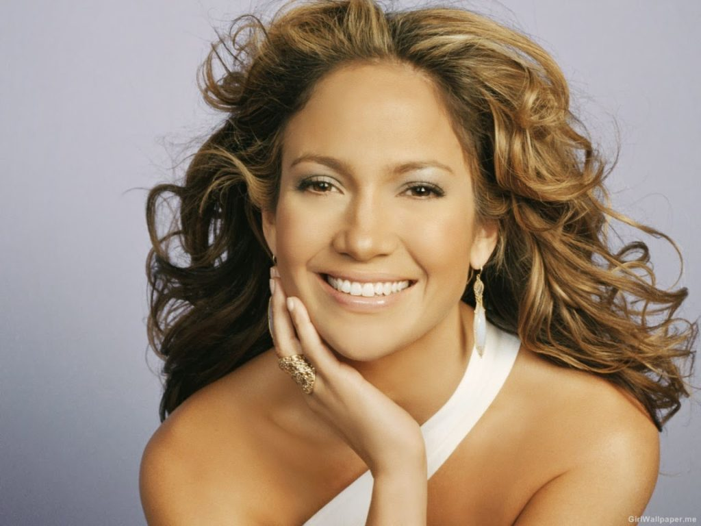 Jennifer-Lopez-Smiling-Close-Up-2-1152x864-30824